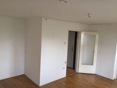 Im München Westend Messie Wohnung - sehr stark verschmutzt.